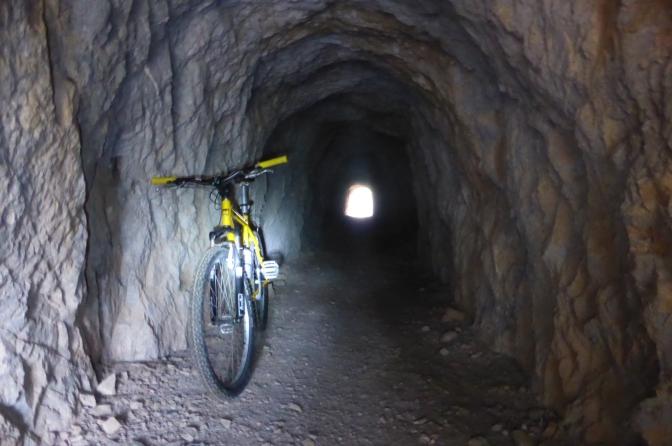 Mountain biking, Sardegna, mines