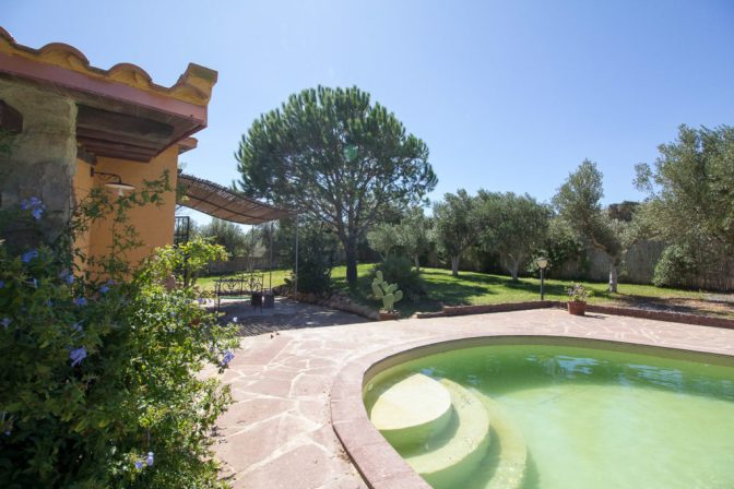 Villa, swimming pool, Sardegna.